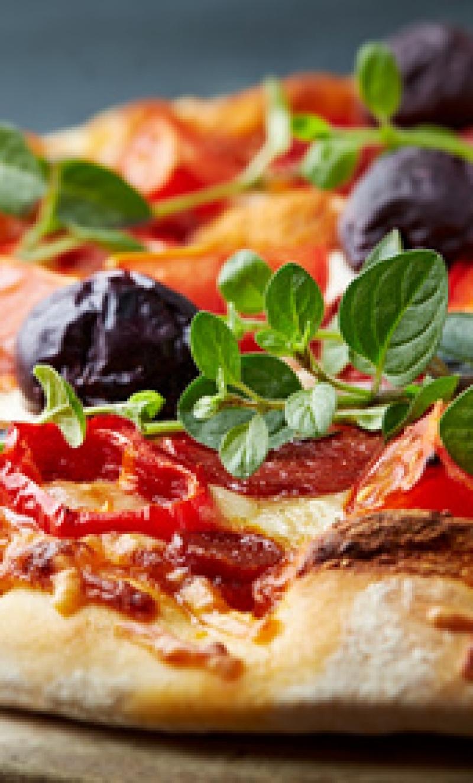 Pepperoni pizza with kalamata olives